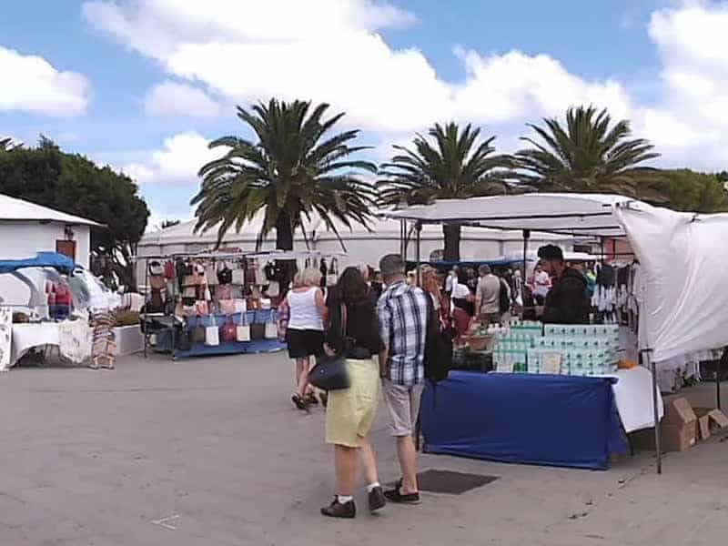Sonntagsmarkt in Teguise und Cesar Manrique Foundation